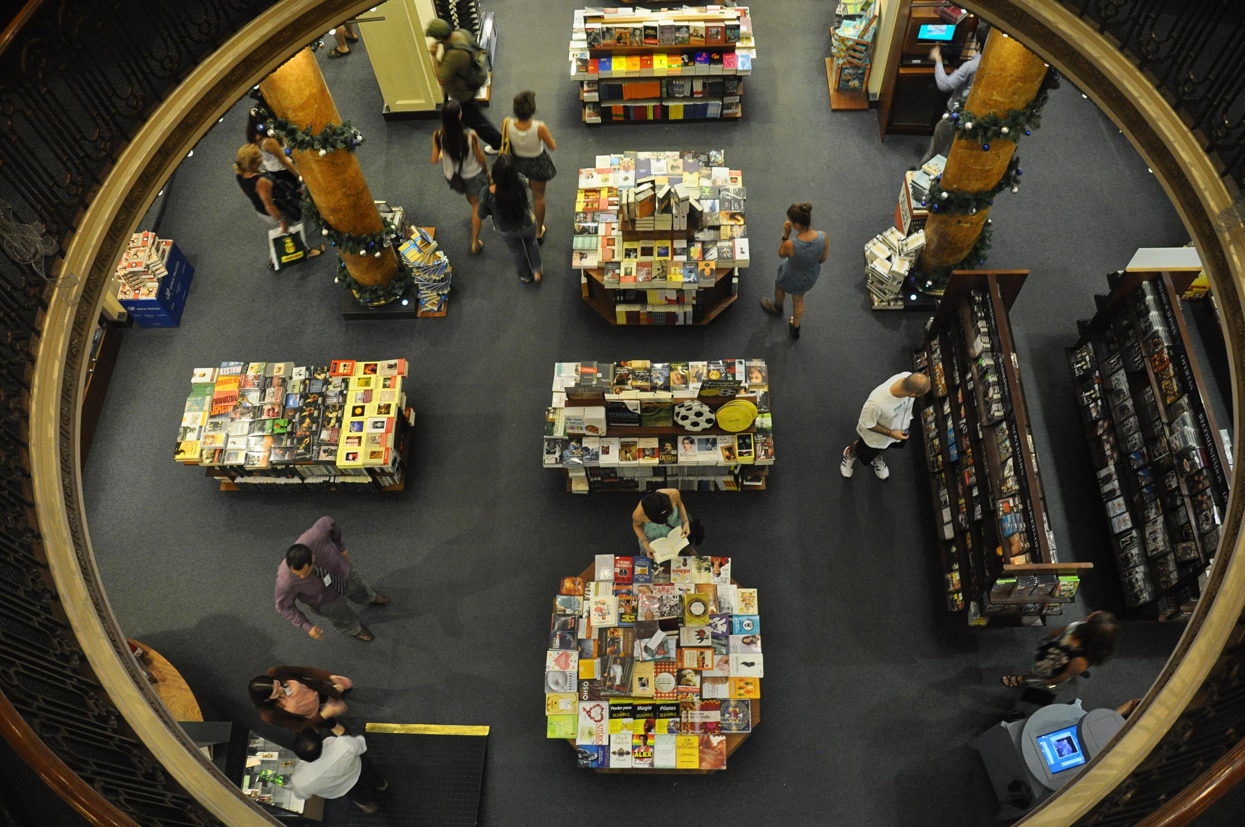 El-Ateneo-Interior-Celine bookstore