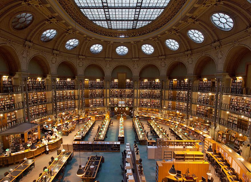 El-Ateneo-Interior-INHA bookstore