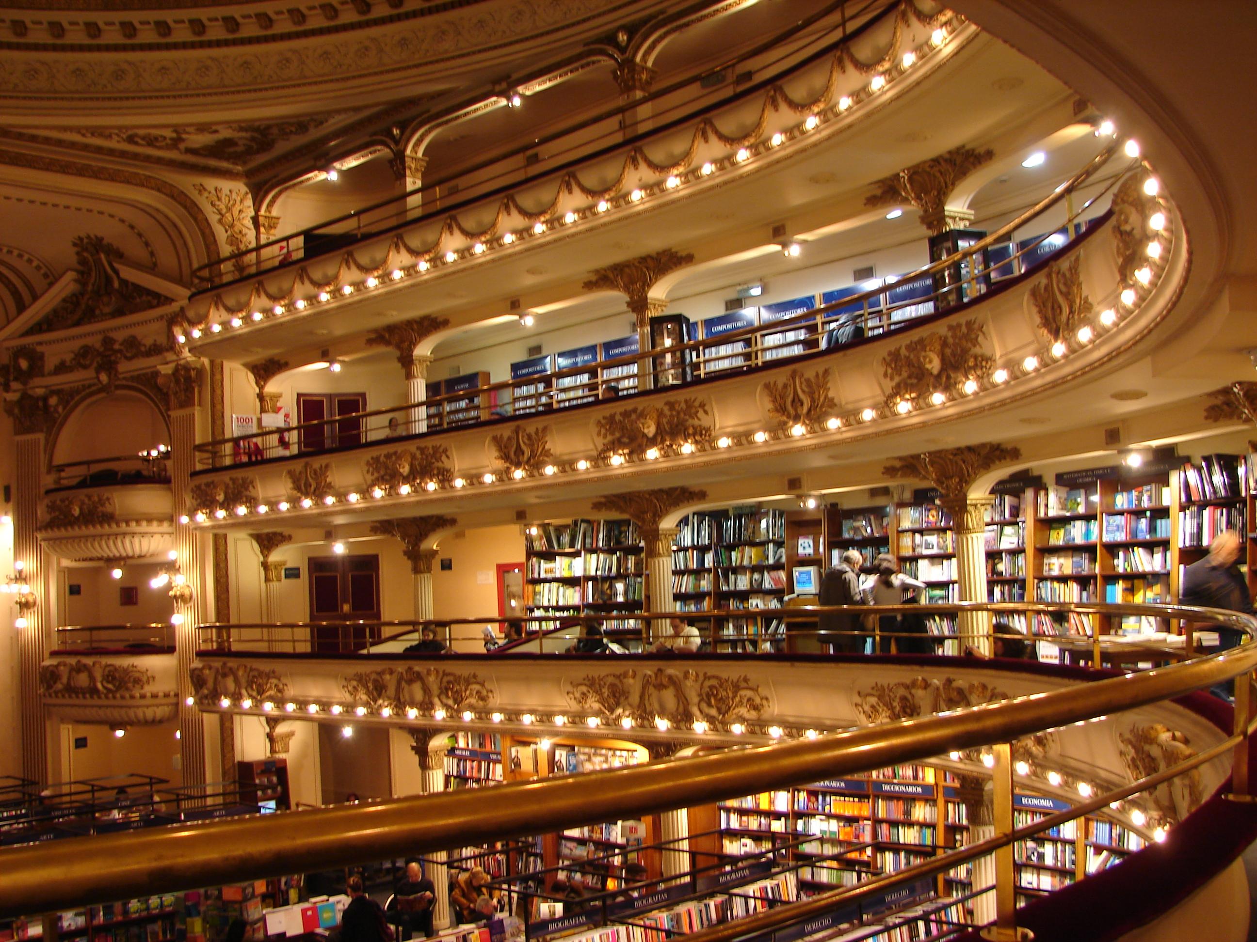 El-Ateneo-Interior-Violinha bookstore